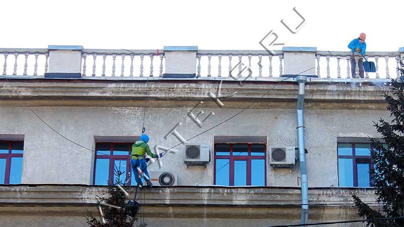 Мероприятия по уборке снега с крыши